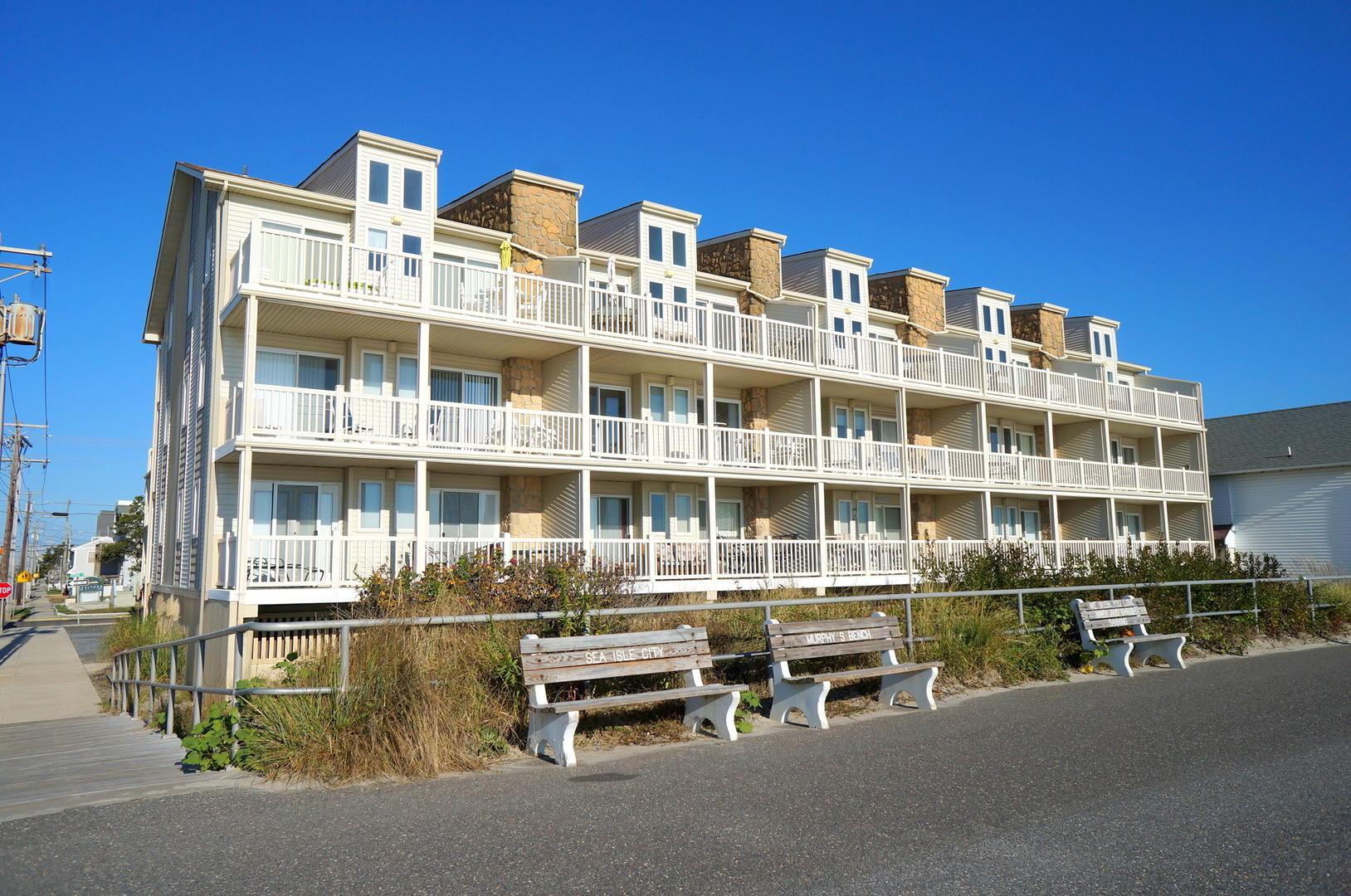 4400 Beach 208-SIC972
