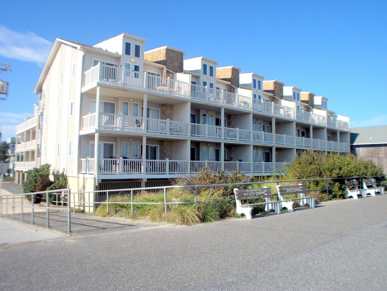 4400 Beach 202-SIC901