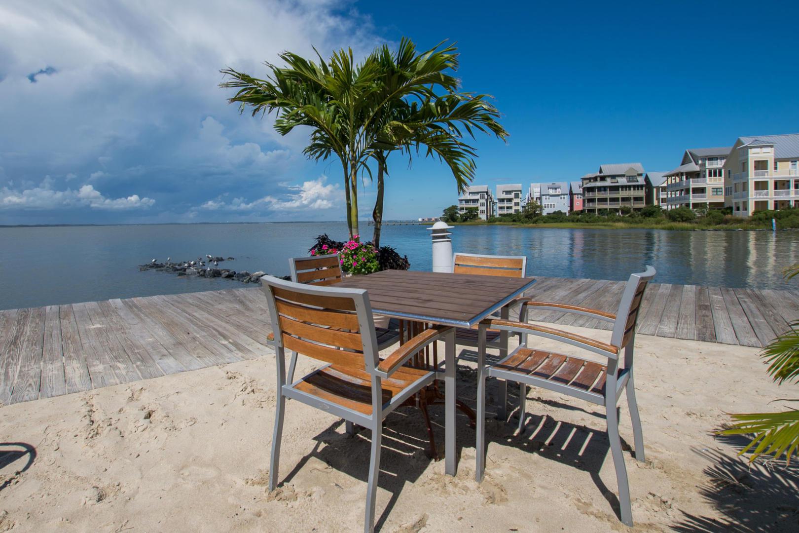 Sunset Island-On-Site Restaurant