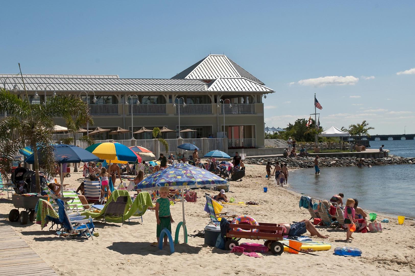 Sunset Island-Private Bayfront Beach