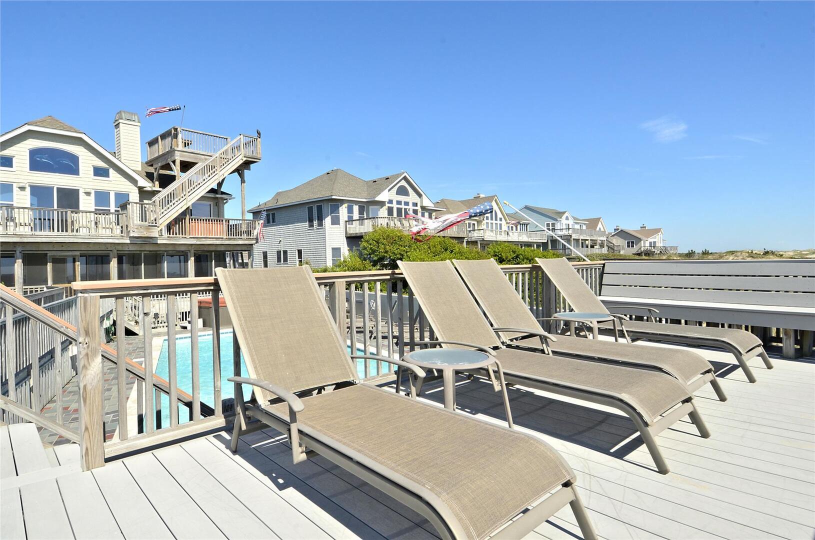 Pool,Lounge Area,