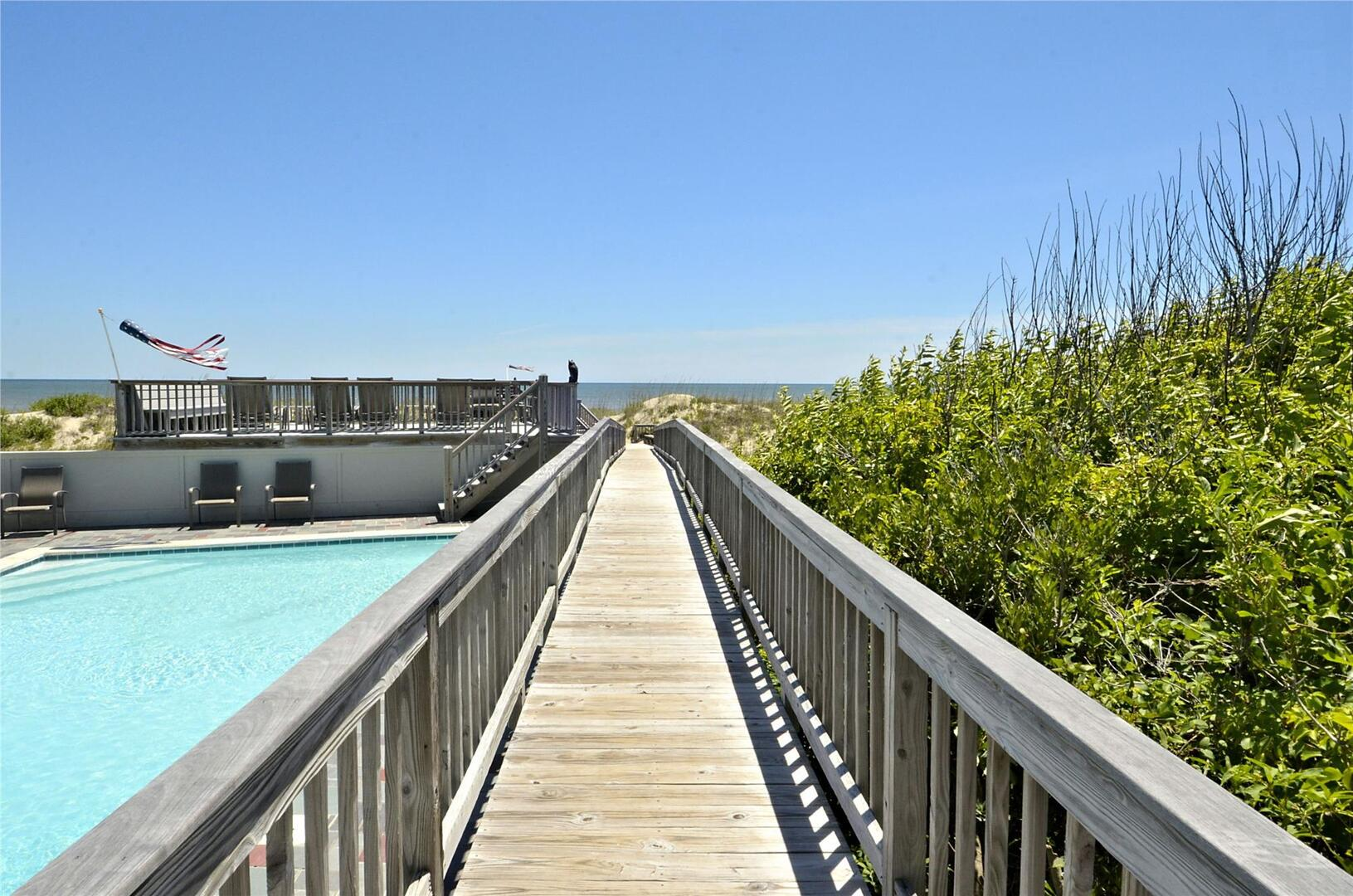 Entry Level,Walkway to Beach,