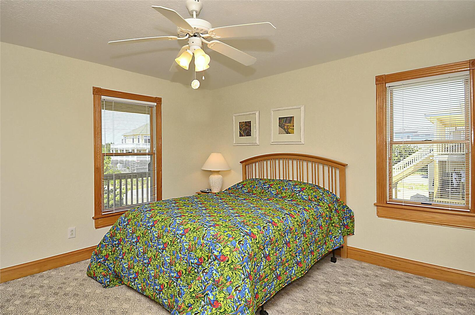 Middle/Pool Level,Mid Level Bedroom,Middle Level Bedroom
