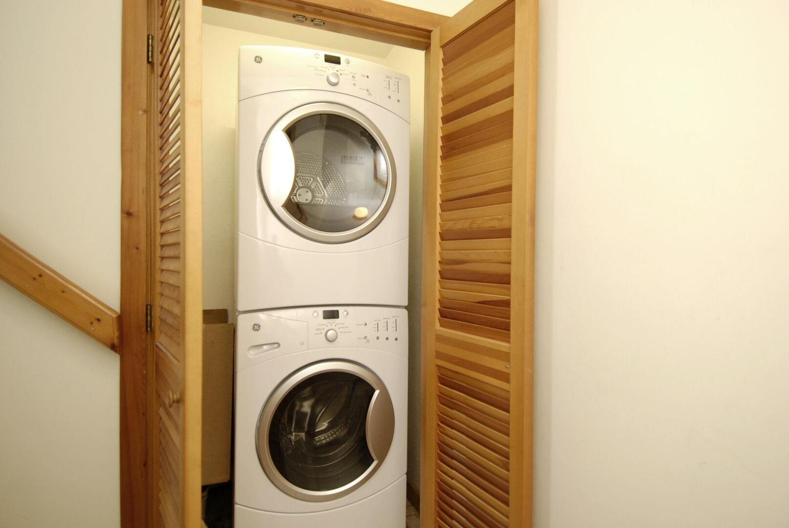 Middle Level,Washer Dryer,Washer and dryer.