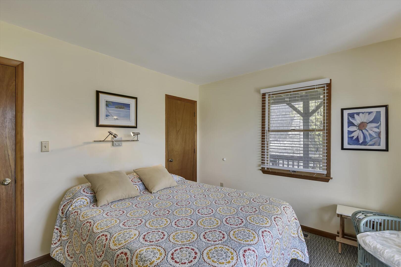 Middle,Bedroom,