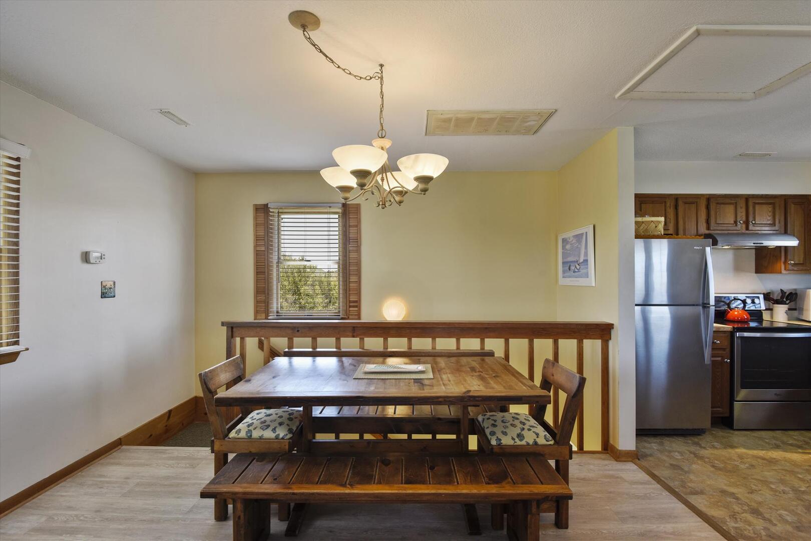 Main/Upper,Dining Area,
