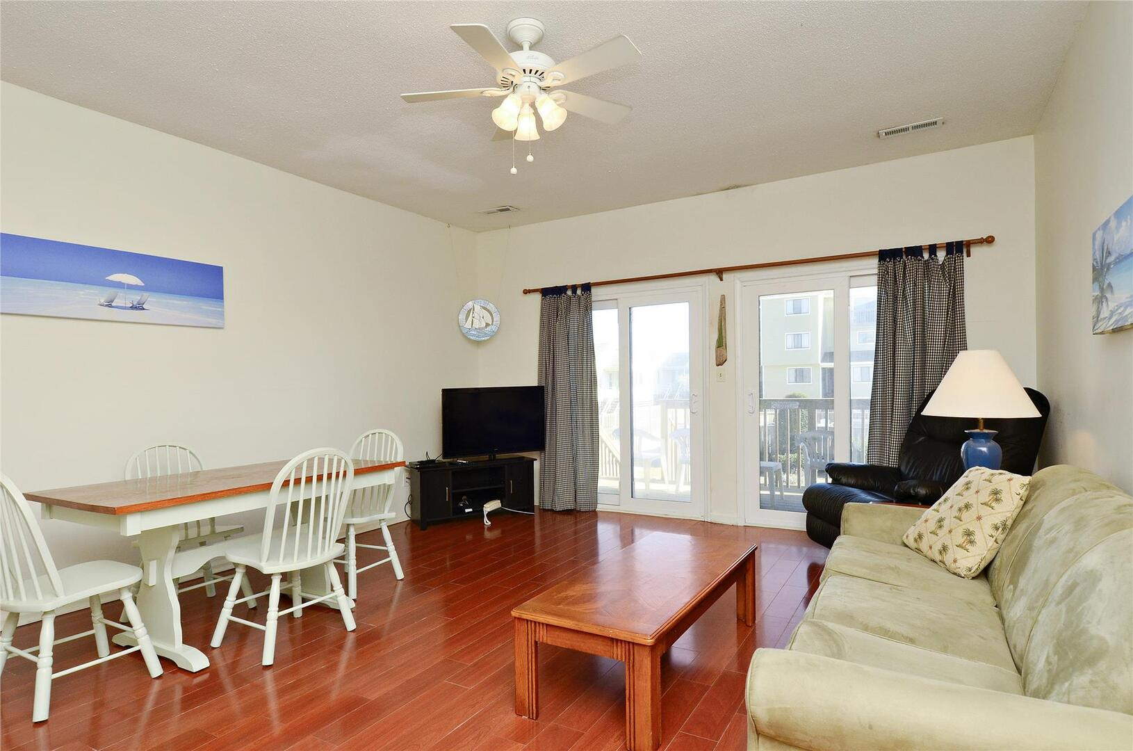 Main Level,LIving/Dining Area,