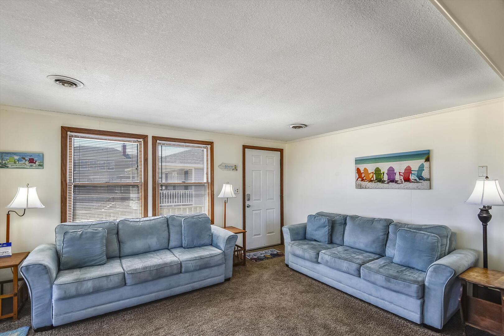 Main Level,Living Room,