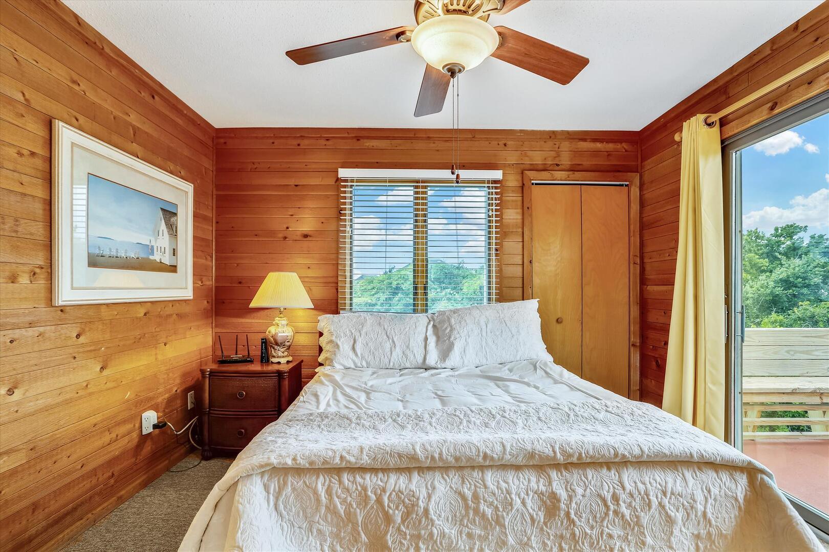 Upper Level,Bedroom,