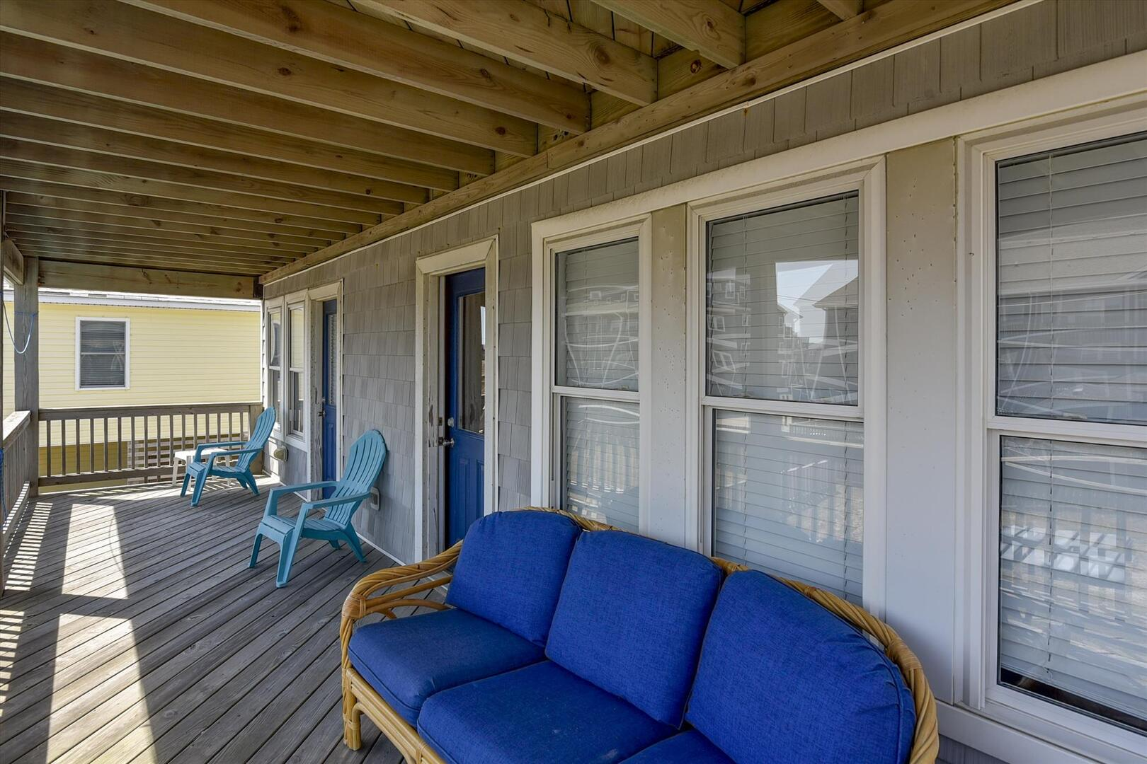 Middle Level,Deck,