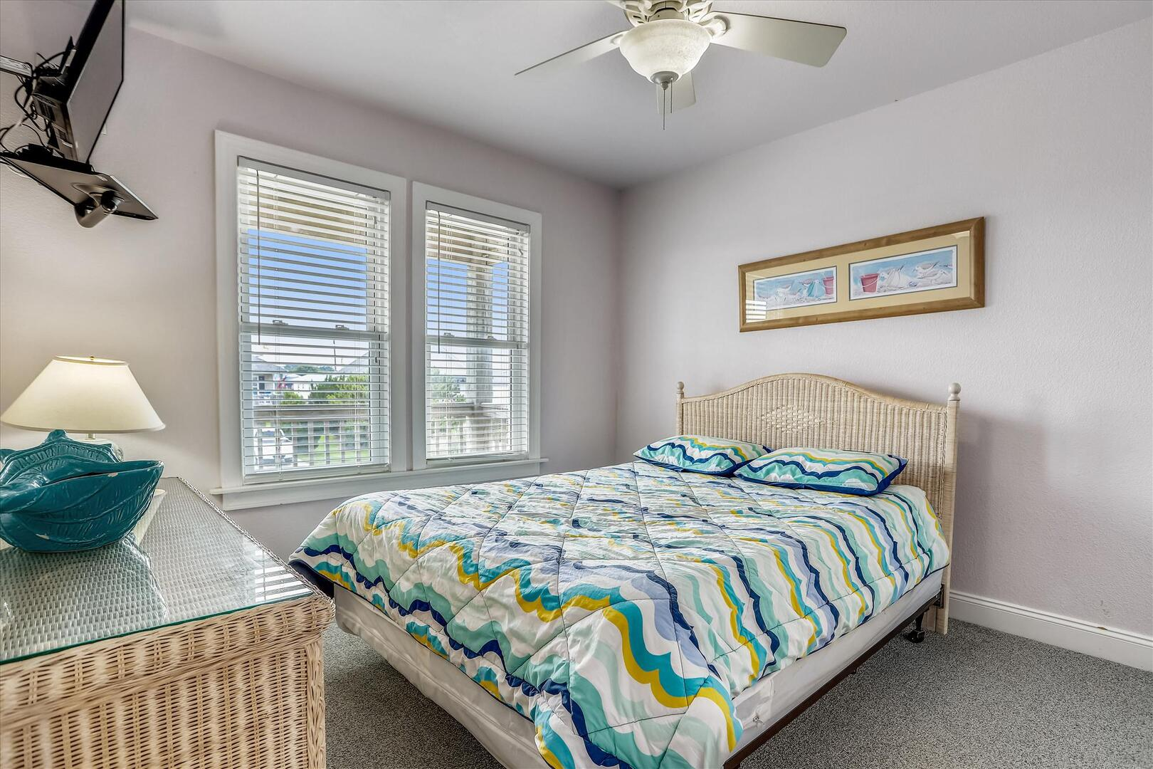 Middle Level,Bedroom,