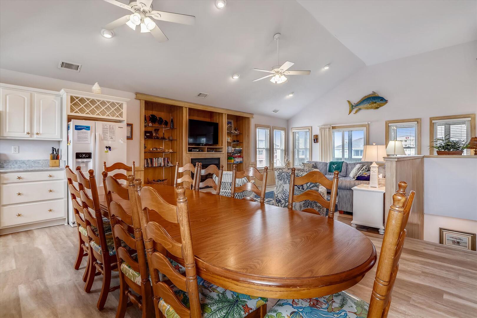 Upper/Main Level,Dining Area,