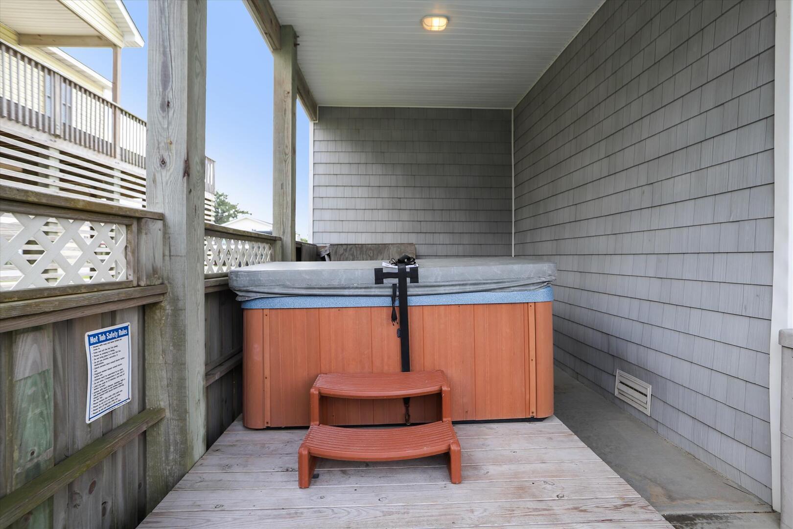 Pool Level,Hot Tub,