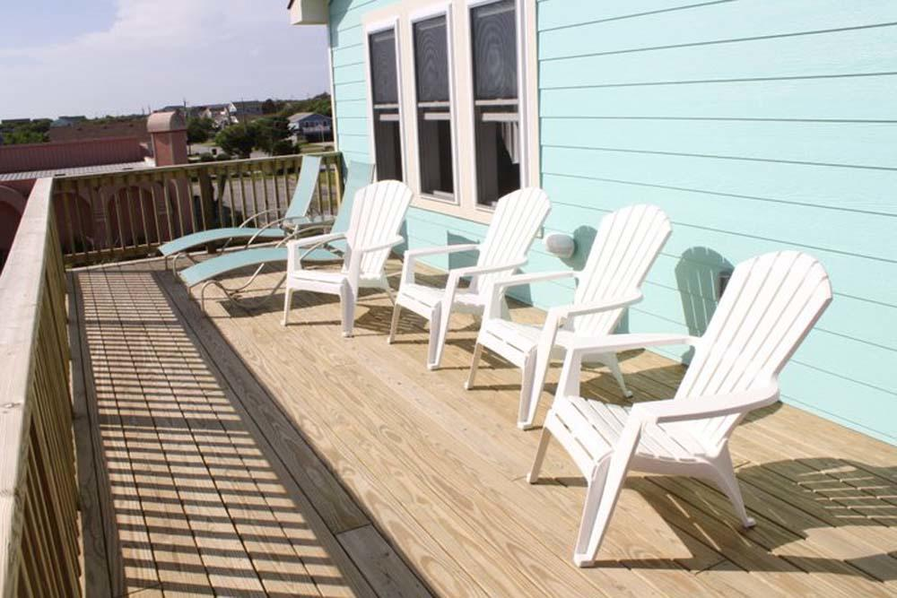 Sun Deck with Furniture
