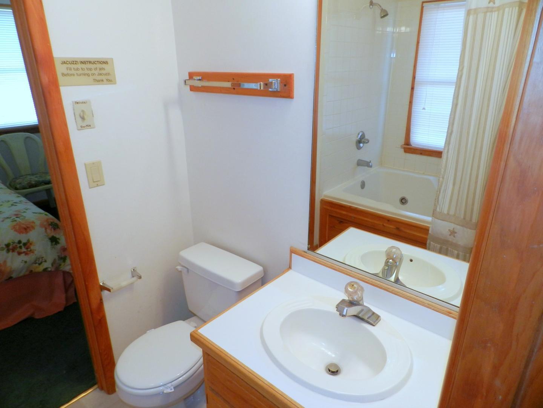 Shared Bath w/ Jacuzzi Tub