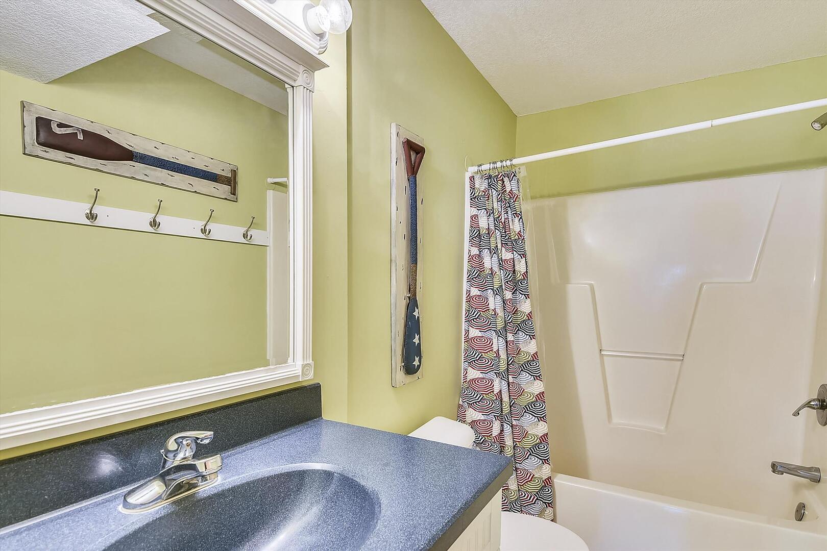 Lower Level,Bath,
