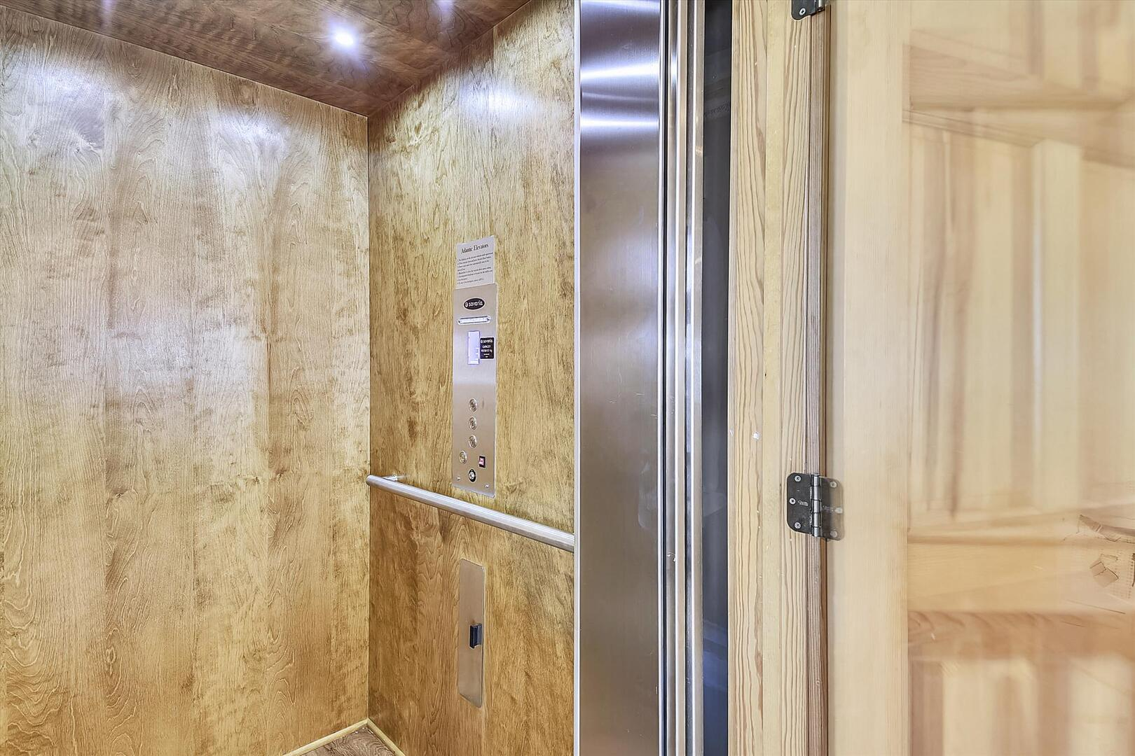 Upper/Main Level,Elevator,