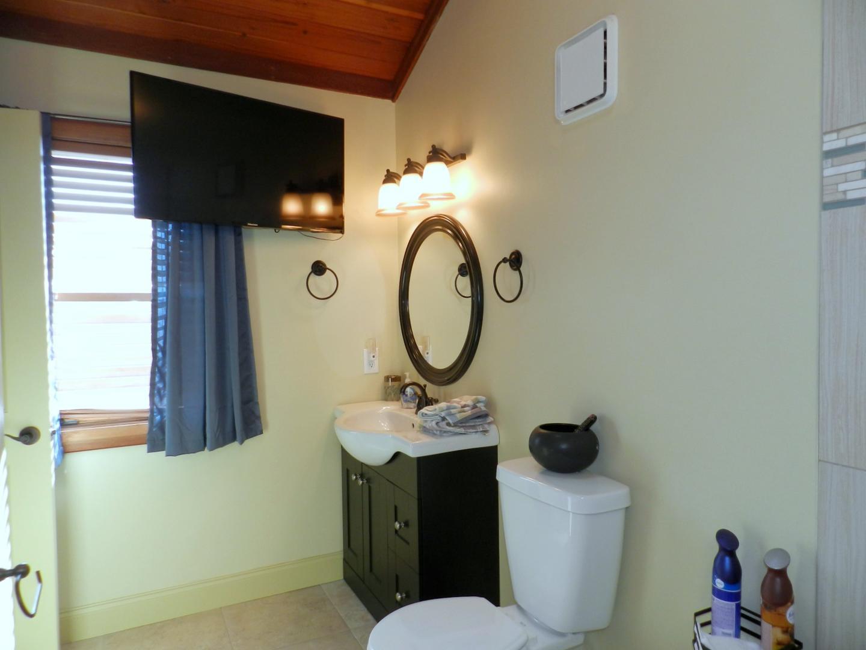 King Master Bath w/ Tub and Shower