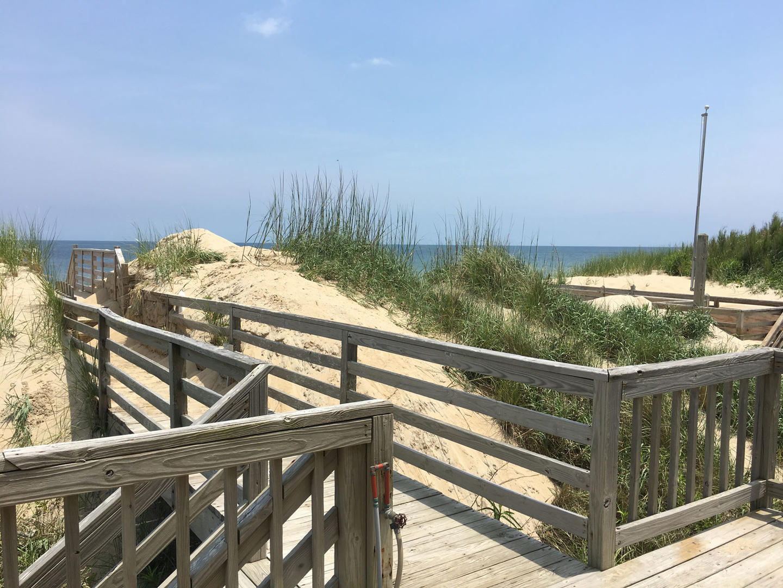 Main Level, Beach Walkway