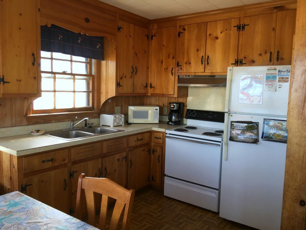 Kitchen without Dishwasher