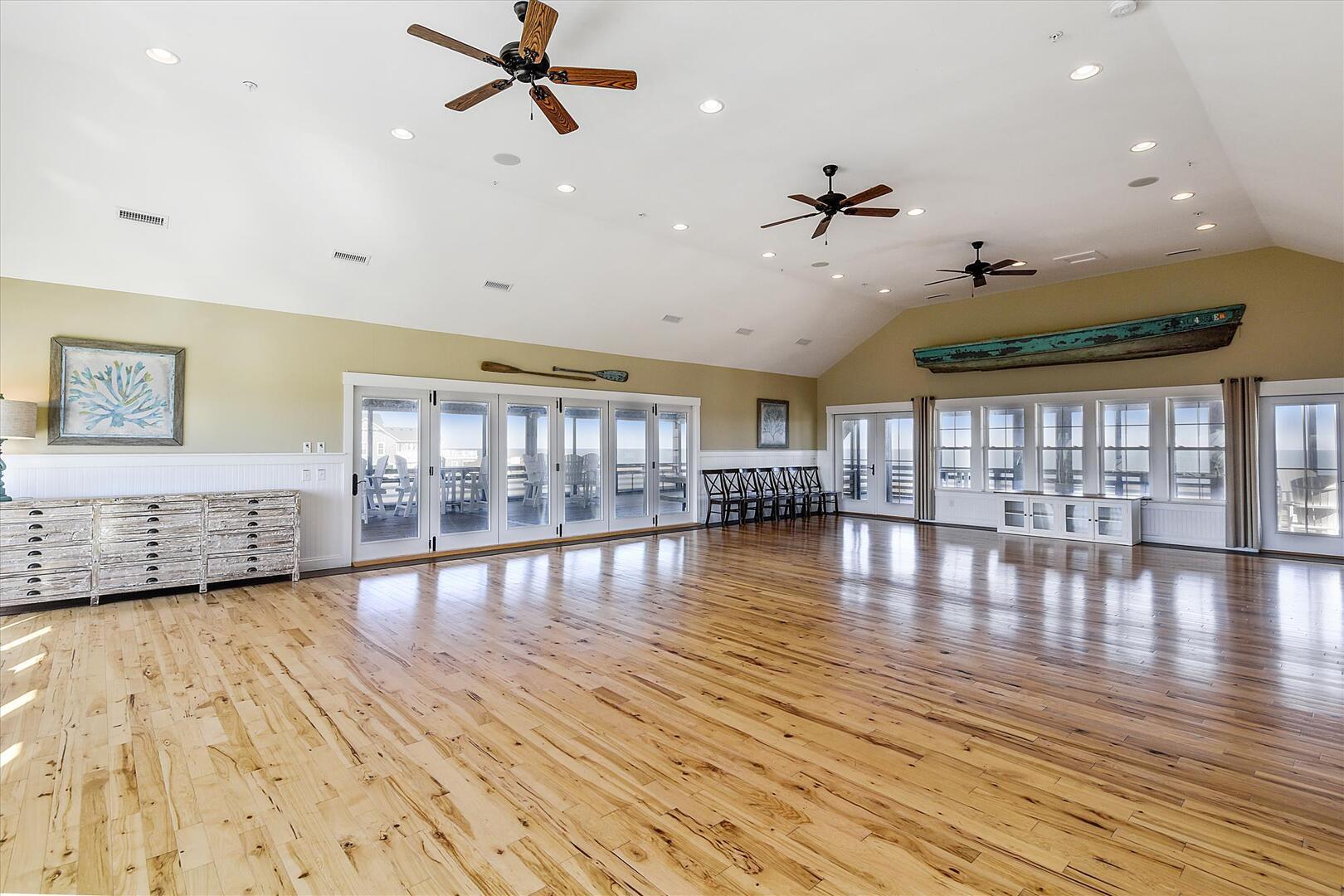 Upper Level,Ballroom/Dining Area,