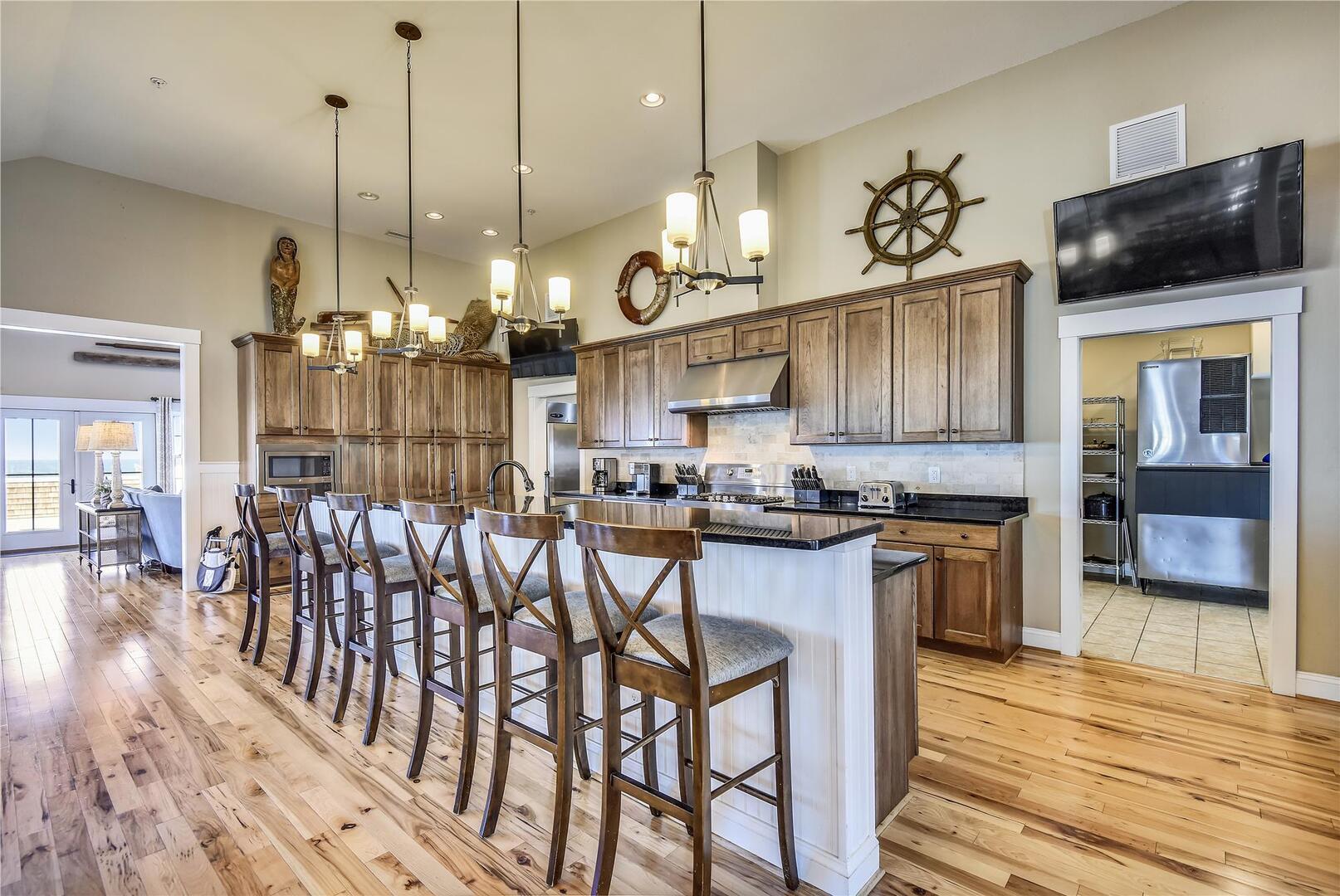 Upper Level,Kitchen,
