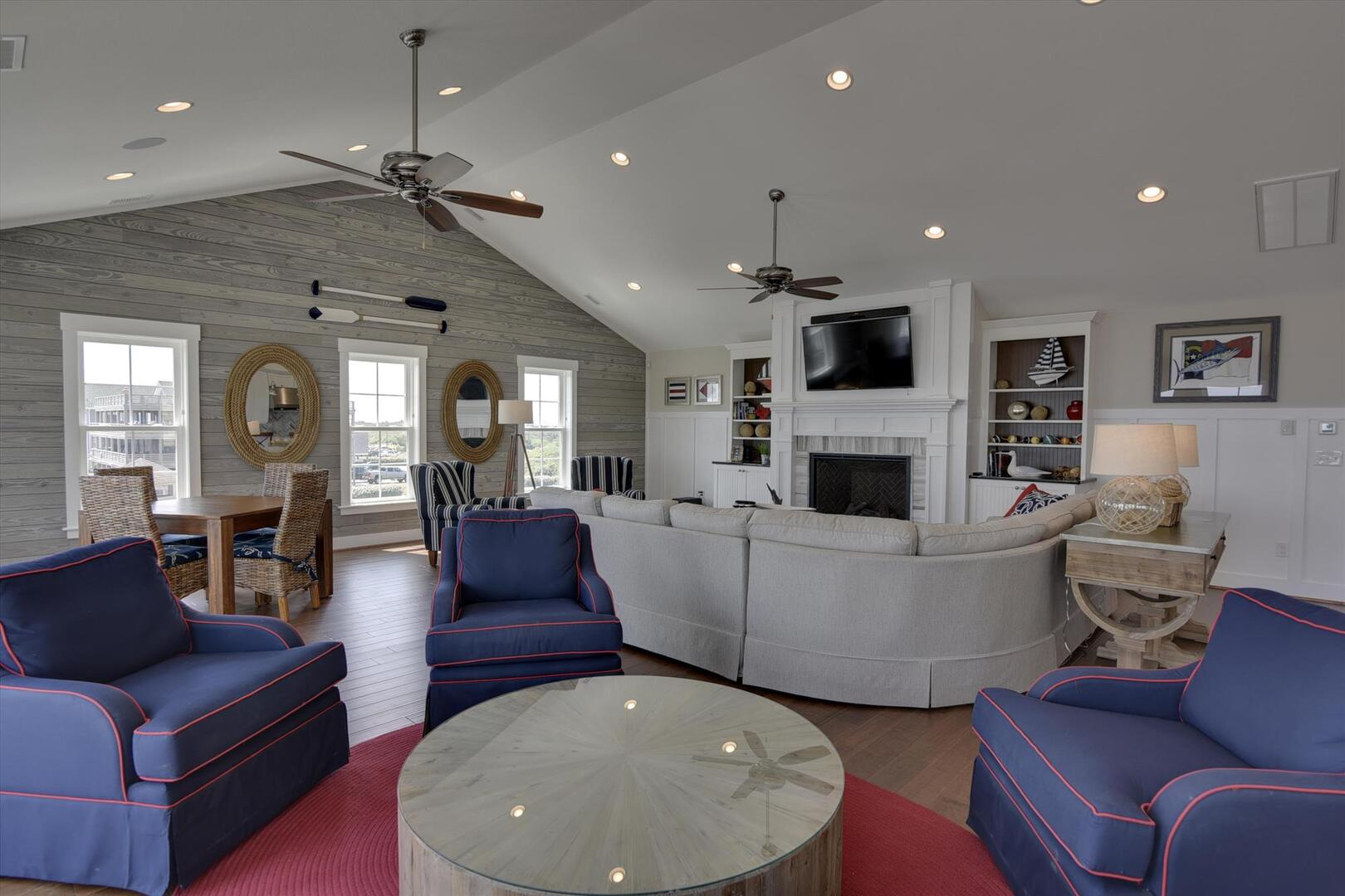 Main/Upper Level,Sitting Area,