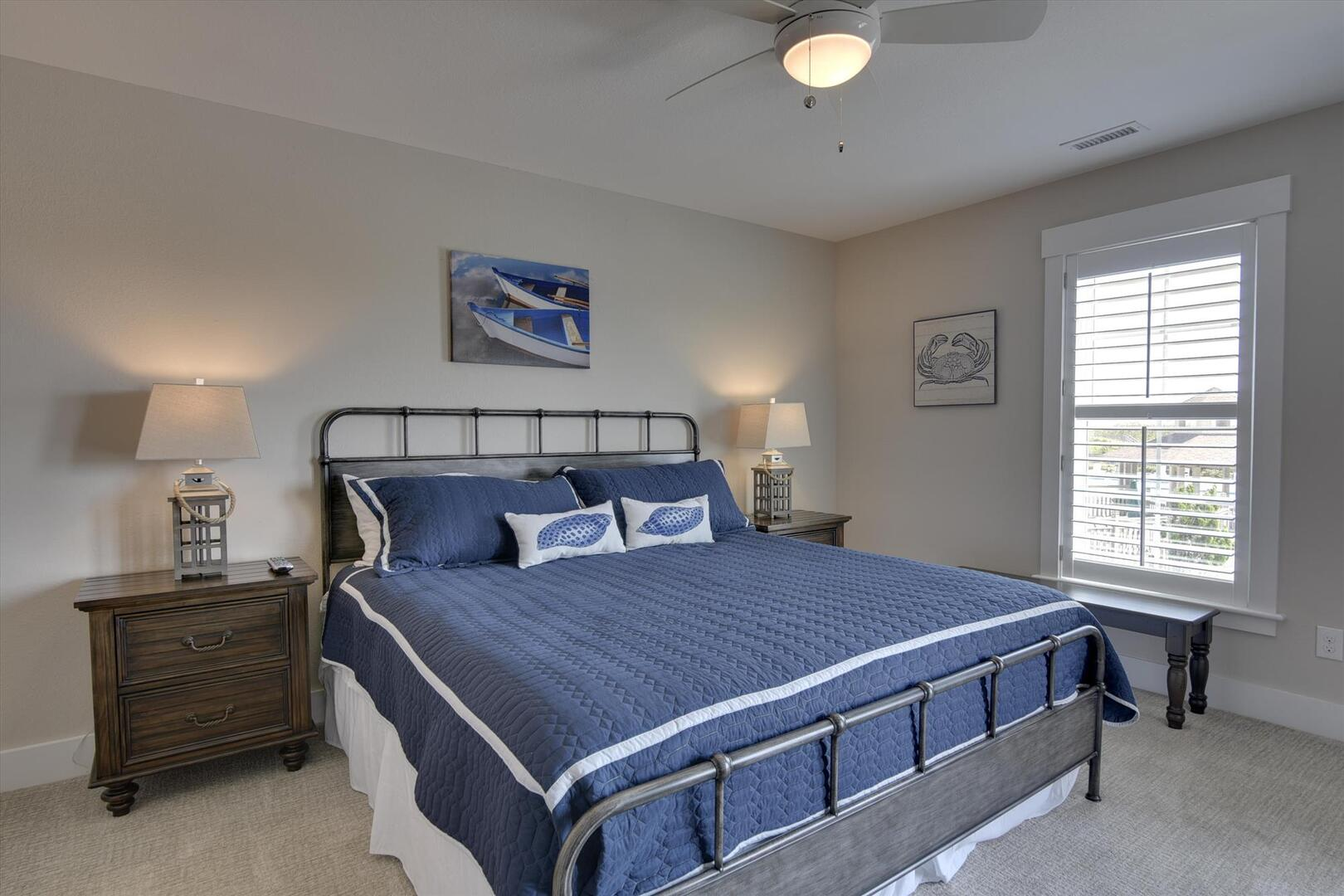 Middle/Entry Level,Bedroom,