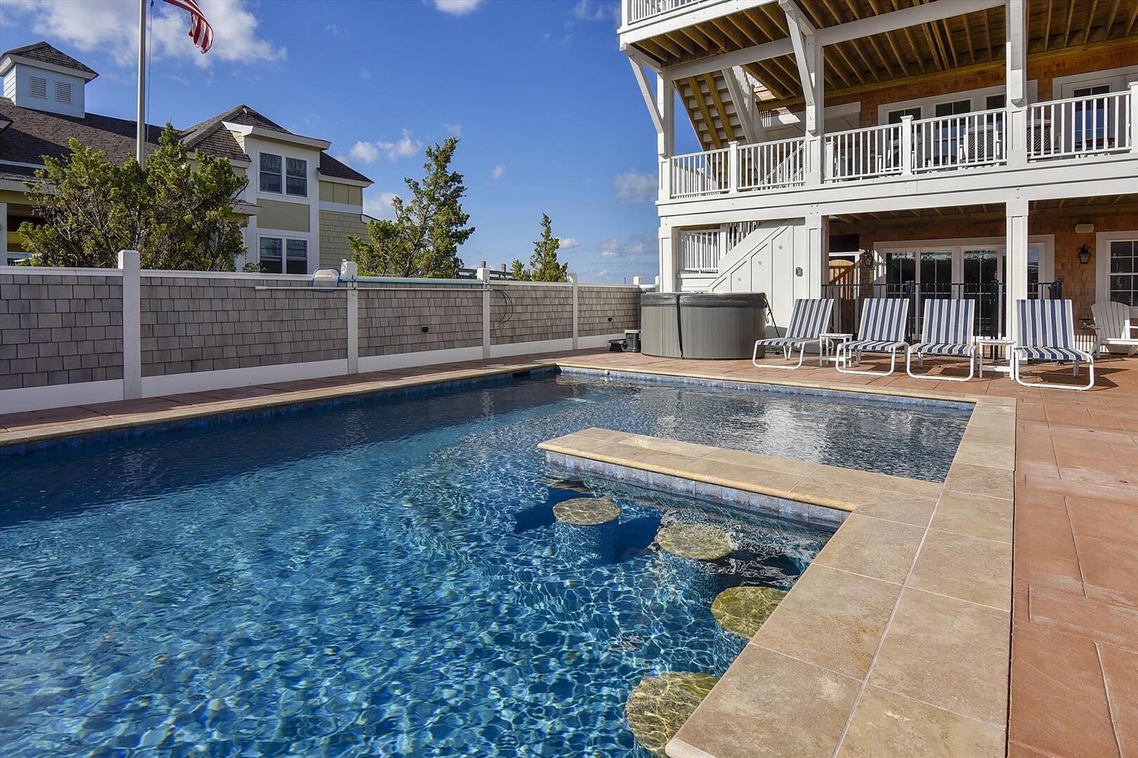 Lower Level,Bar Pool,