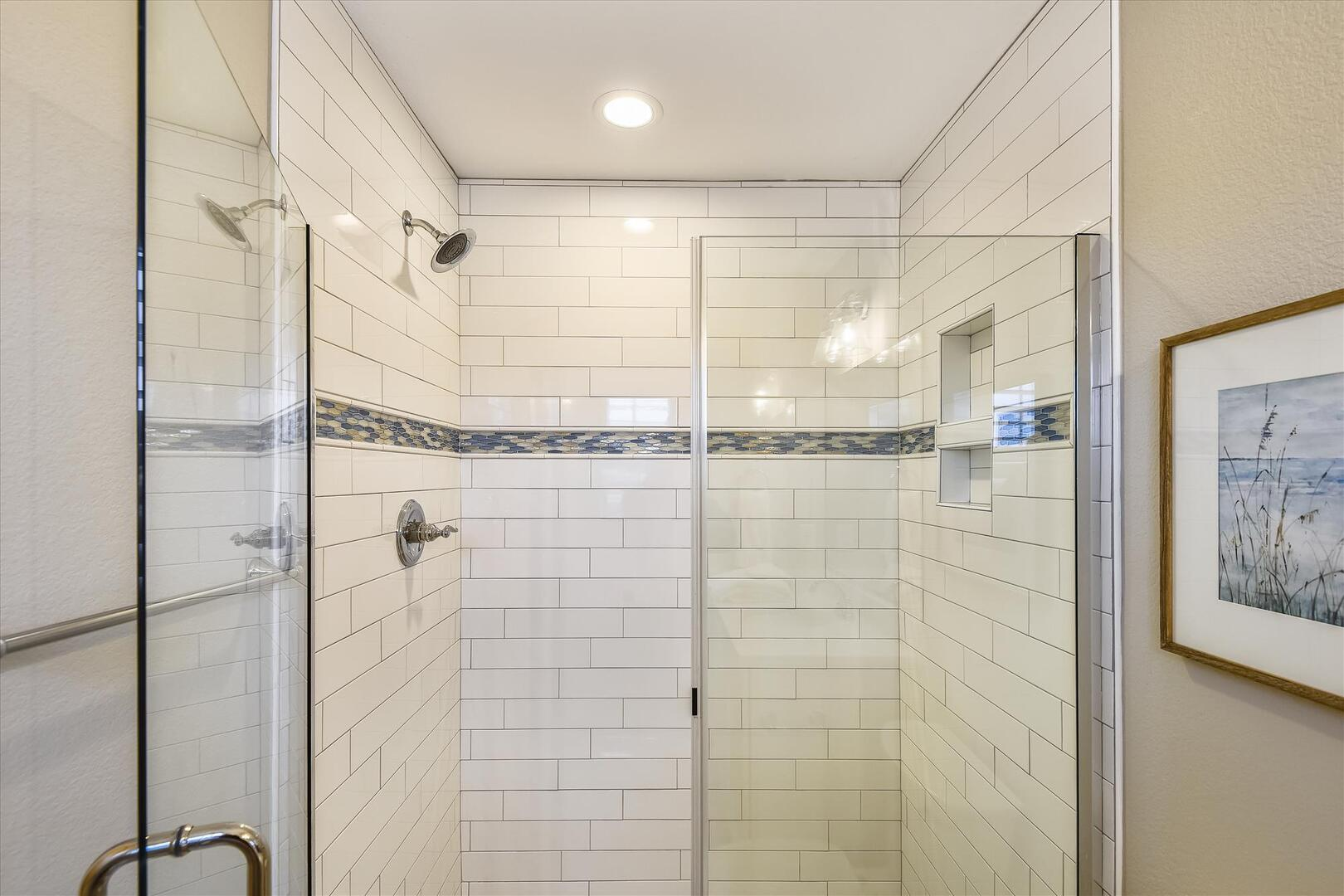 Main Level,Shower,