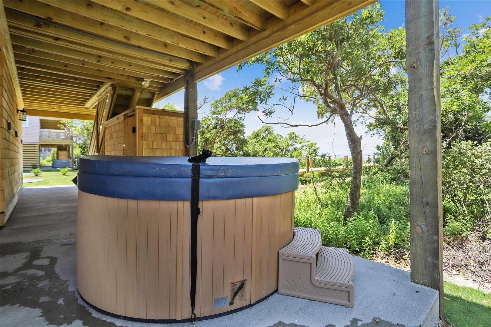 Ground Level,Hot Tub,