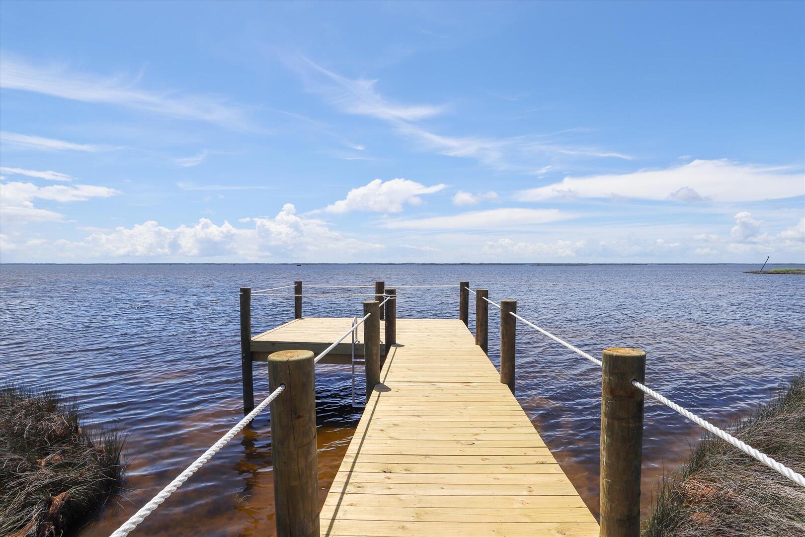 Exterior,Dock,