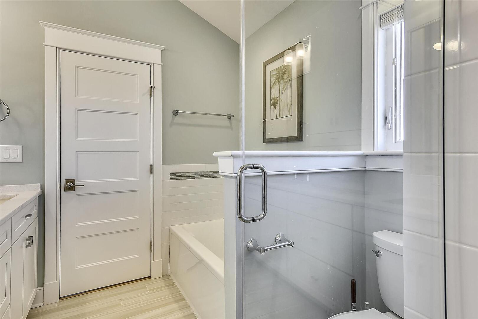 Main Level,Bath,