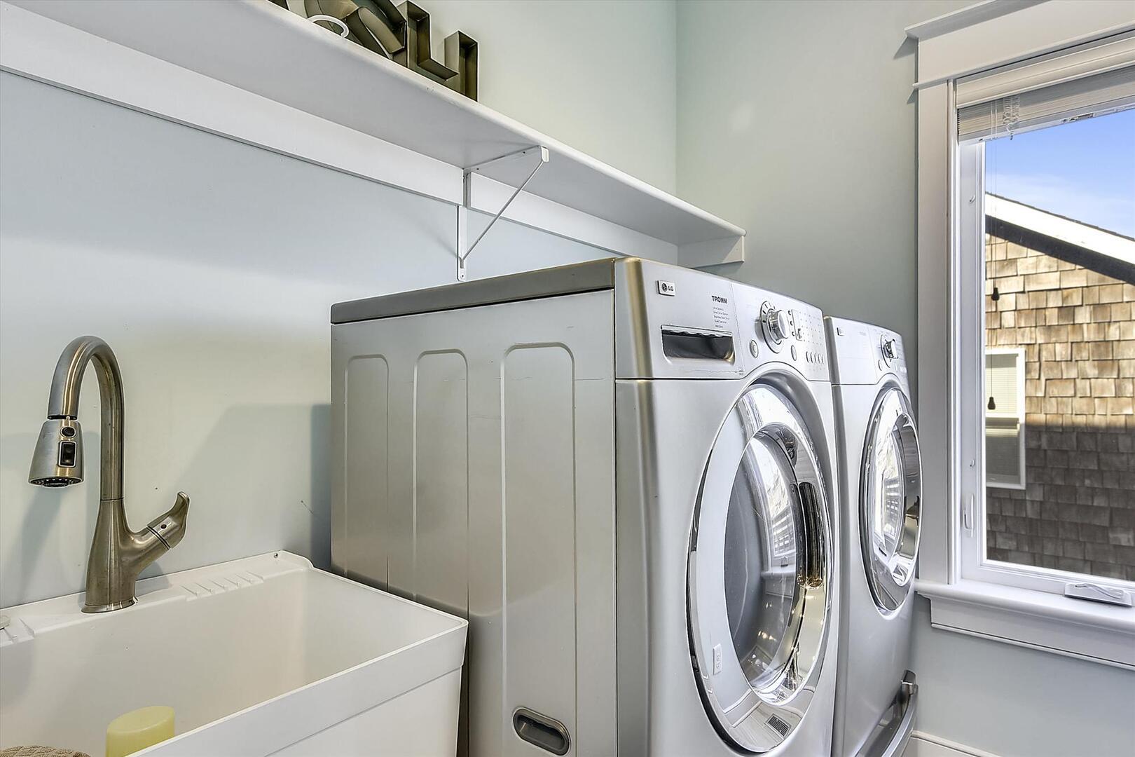 Upper Level,Washer Dryer,