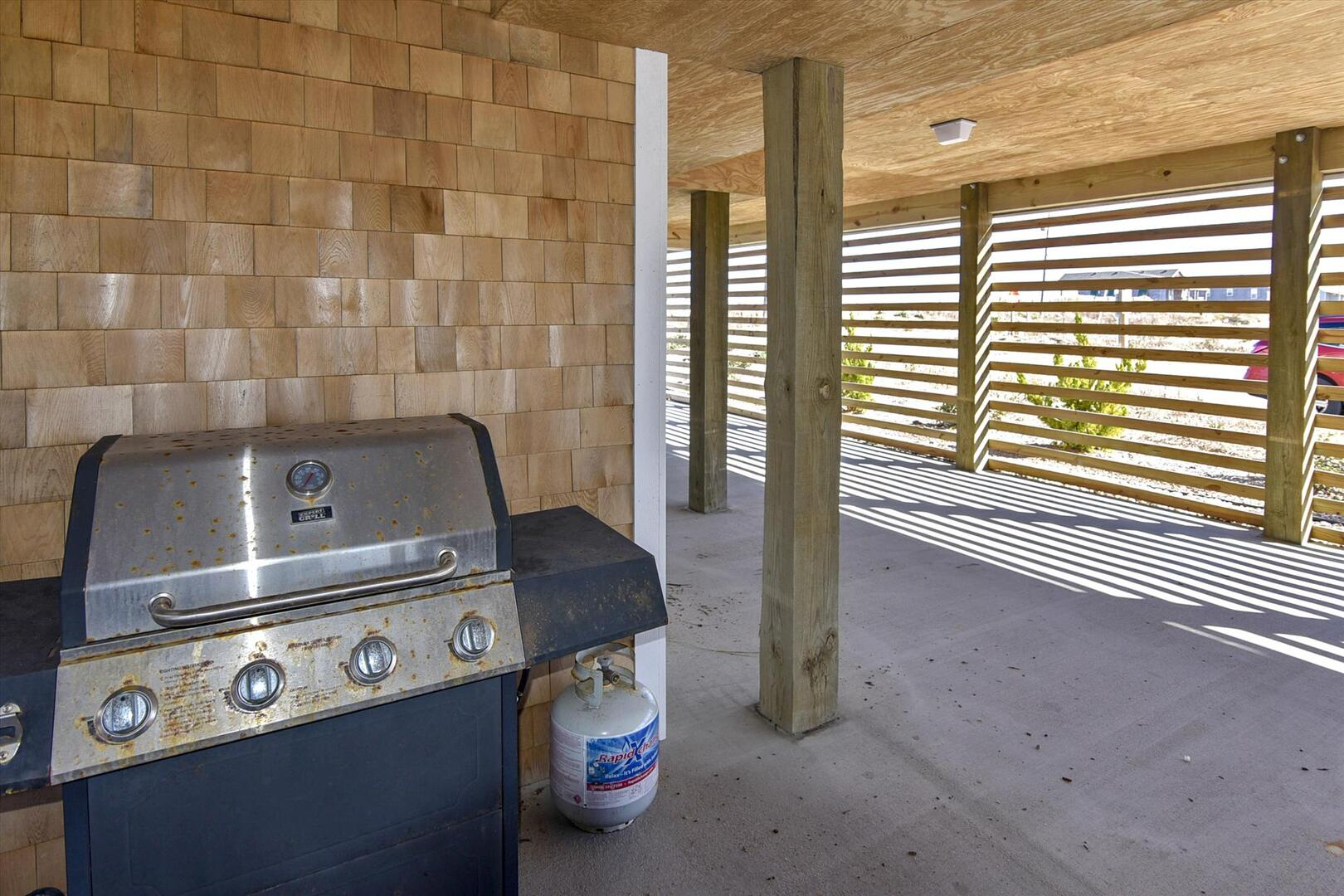Lower Level,Grill,