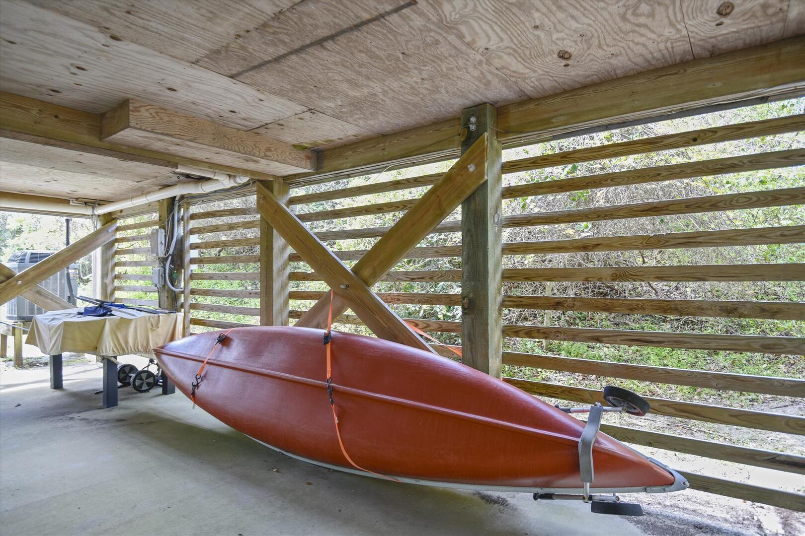 Lower Level,Canoe,
