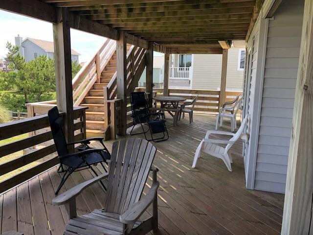 Mid Level Deck Seating