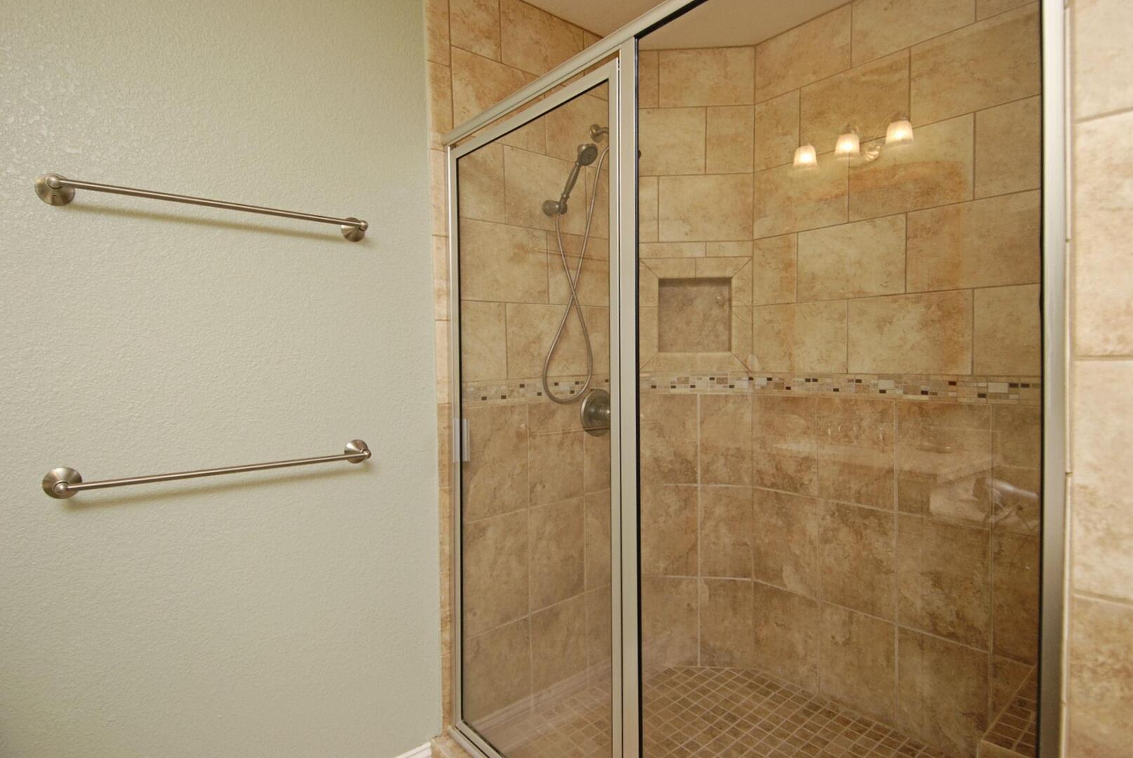 Upper/Main Level,Shower,