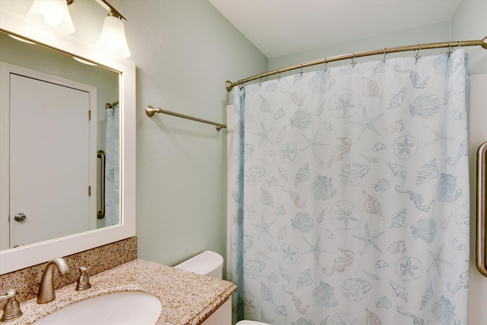 Entry/Middle Level,Bath,