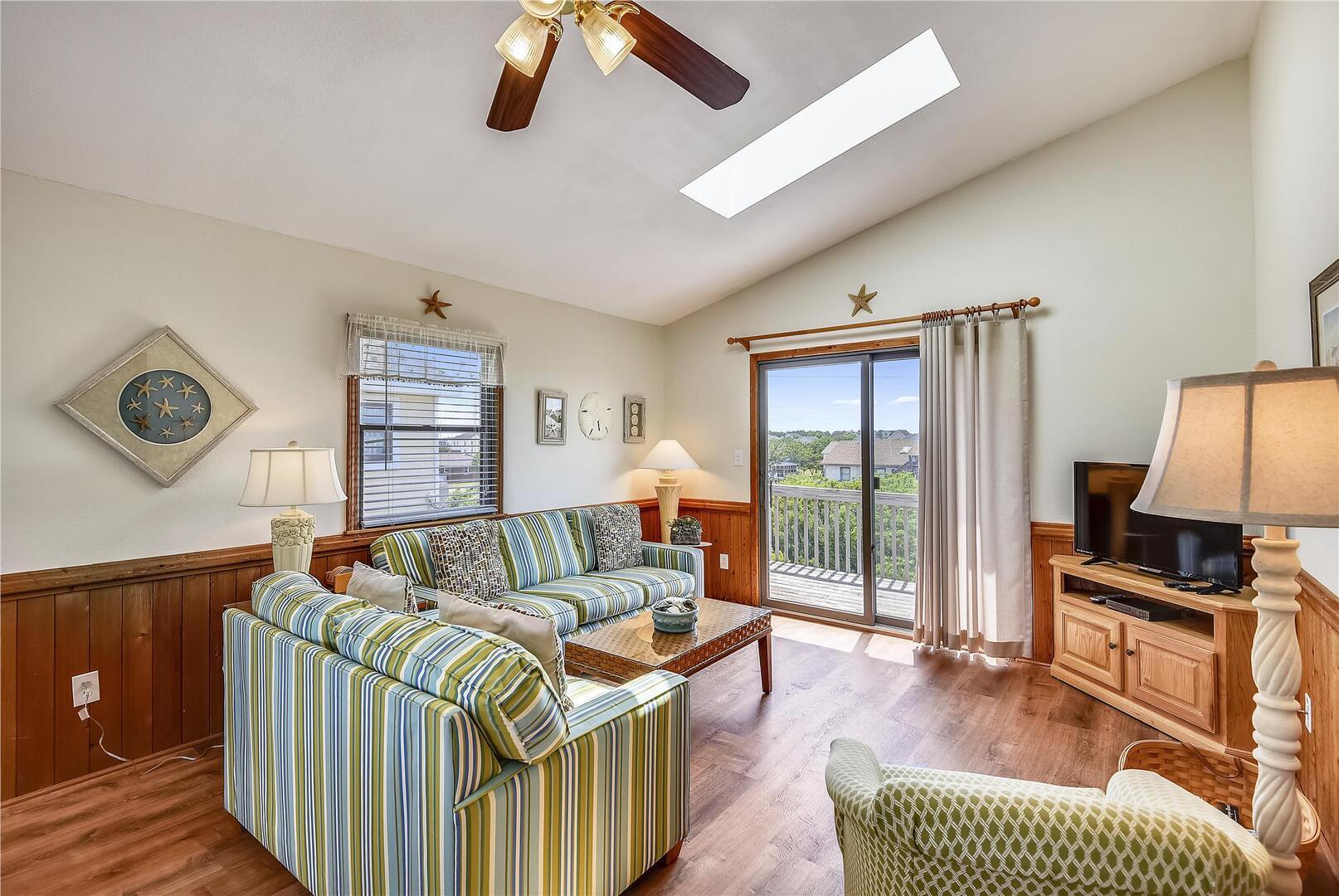 Upper/ Main Level,Living Room,