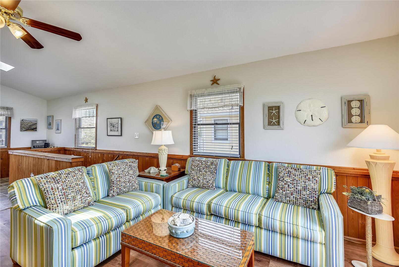 Upper/ Main Level,Living Area,