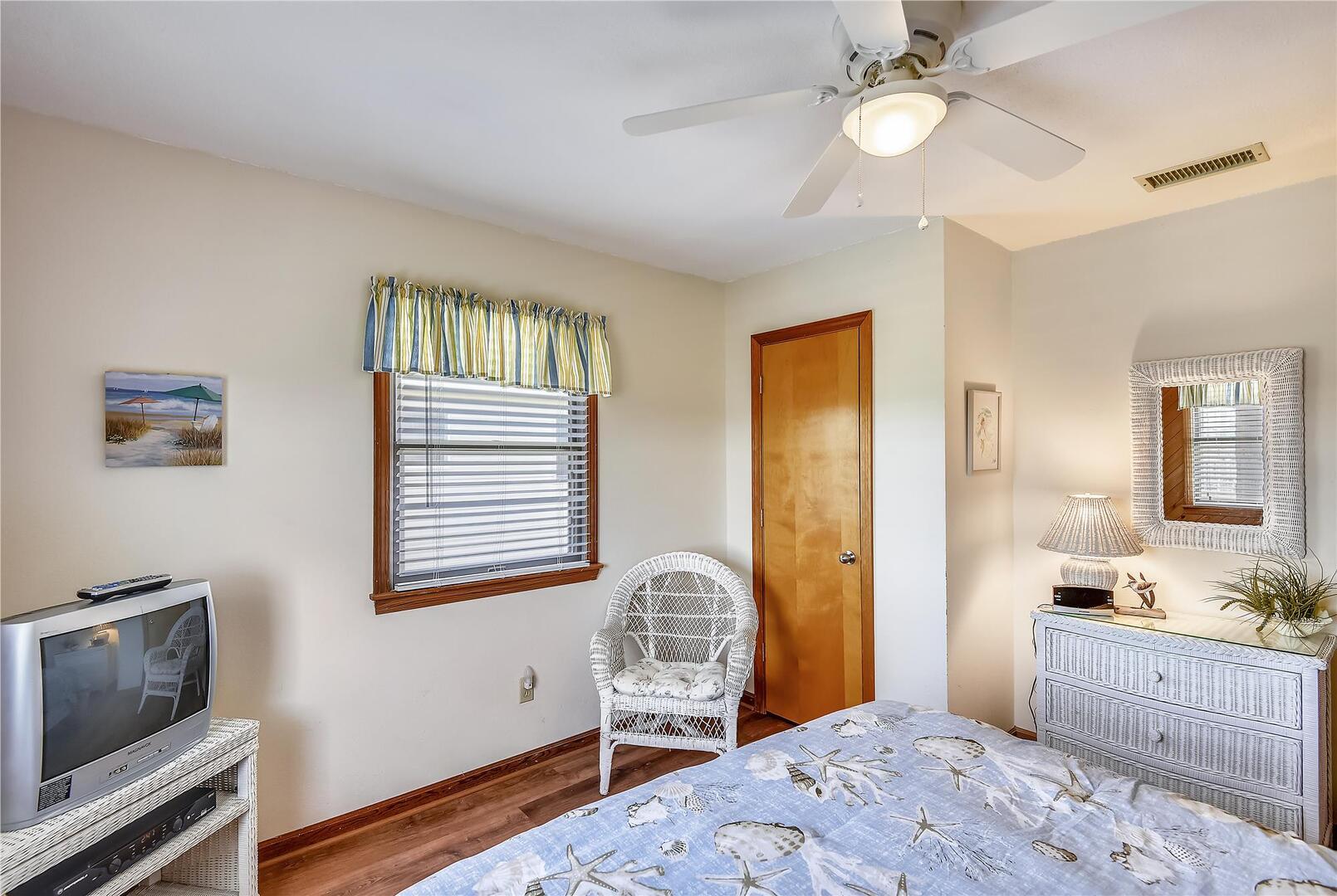 Upper/ Main Level,Bedroom,