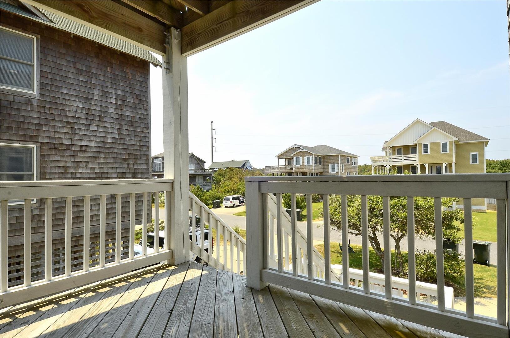 Middle Level,Porch,