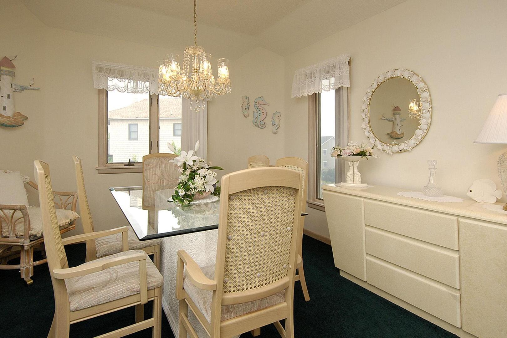 Upper/Main Level,Dining Room,