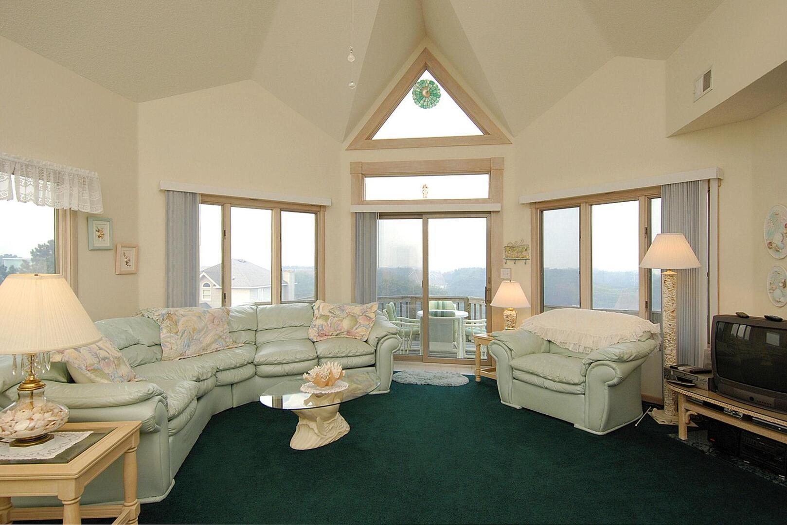 Upper/Main Level,Living Room,