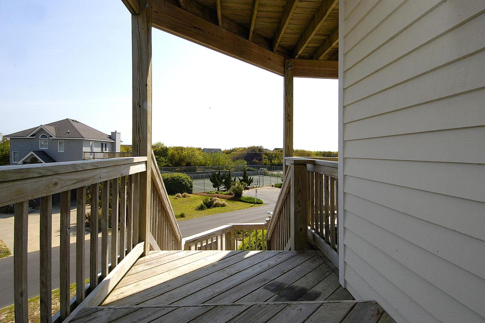 Middle/Entry Level,Porch,