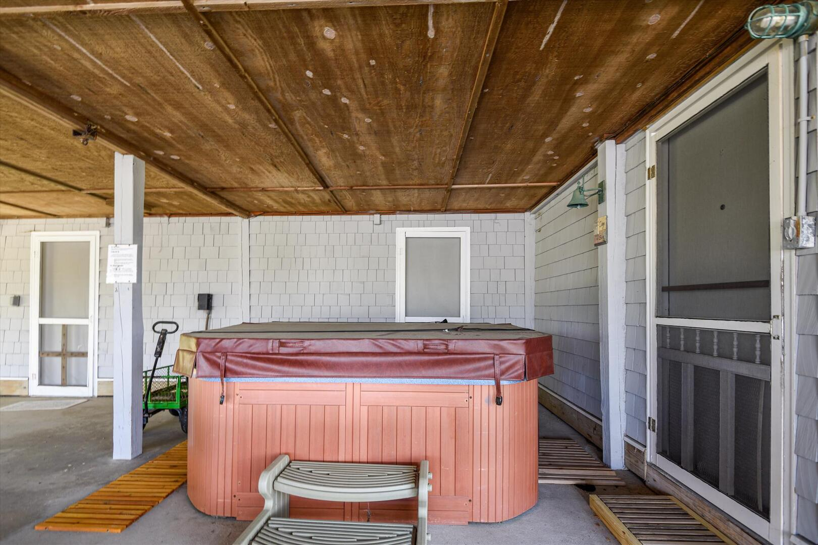 Lower Level,Hot Tub,
