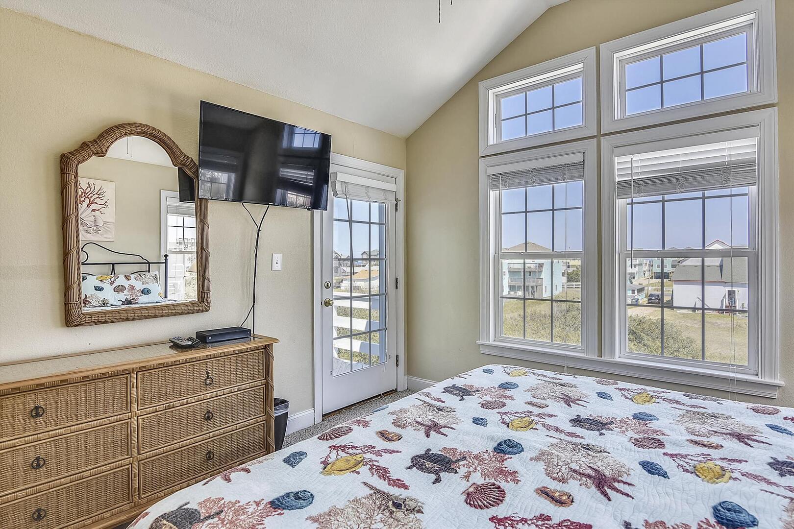 Main Level,Bedroom,