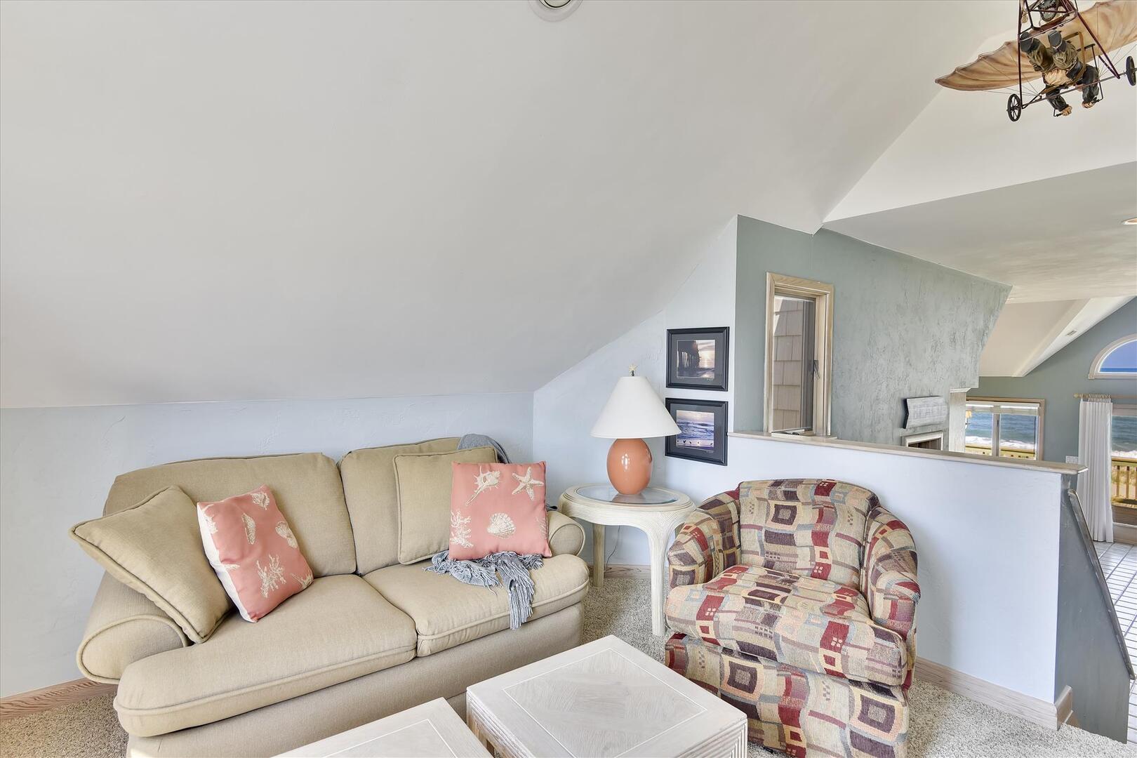 Main Level,Lounge Area,