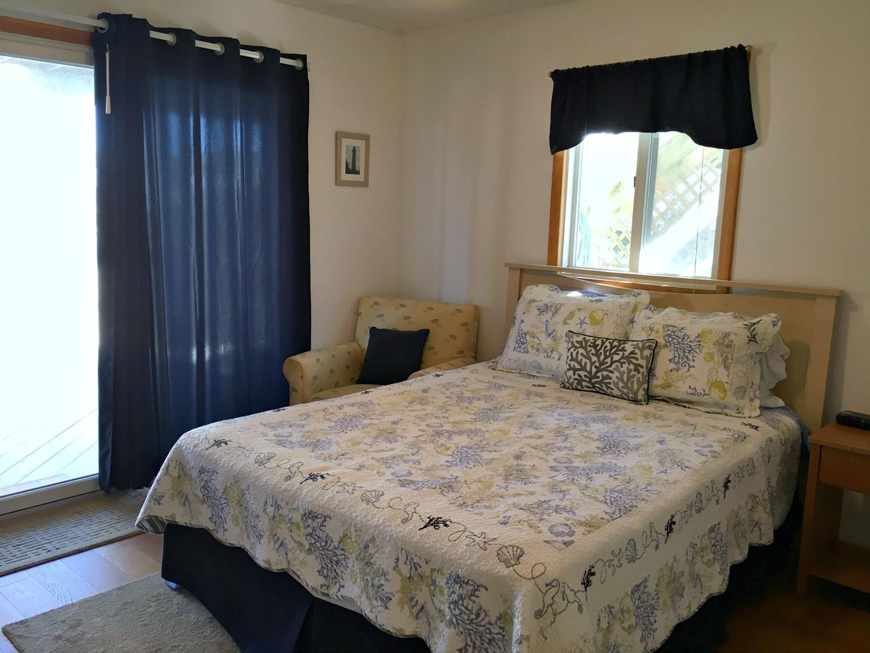 Queen Bedroom w/ Deck Access